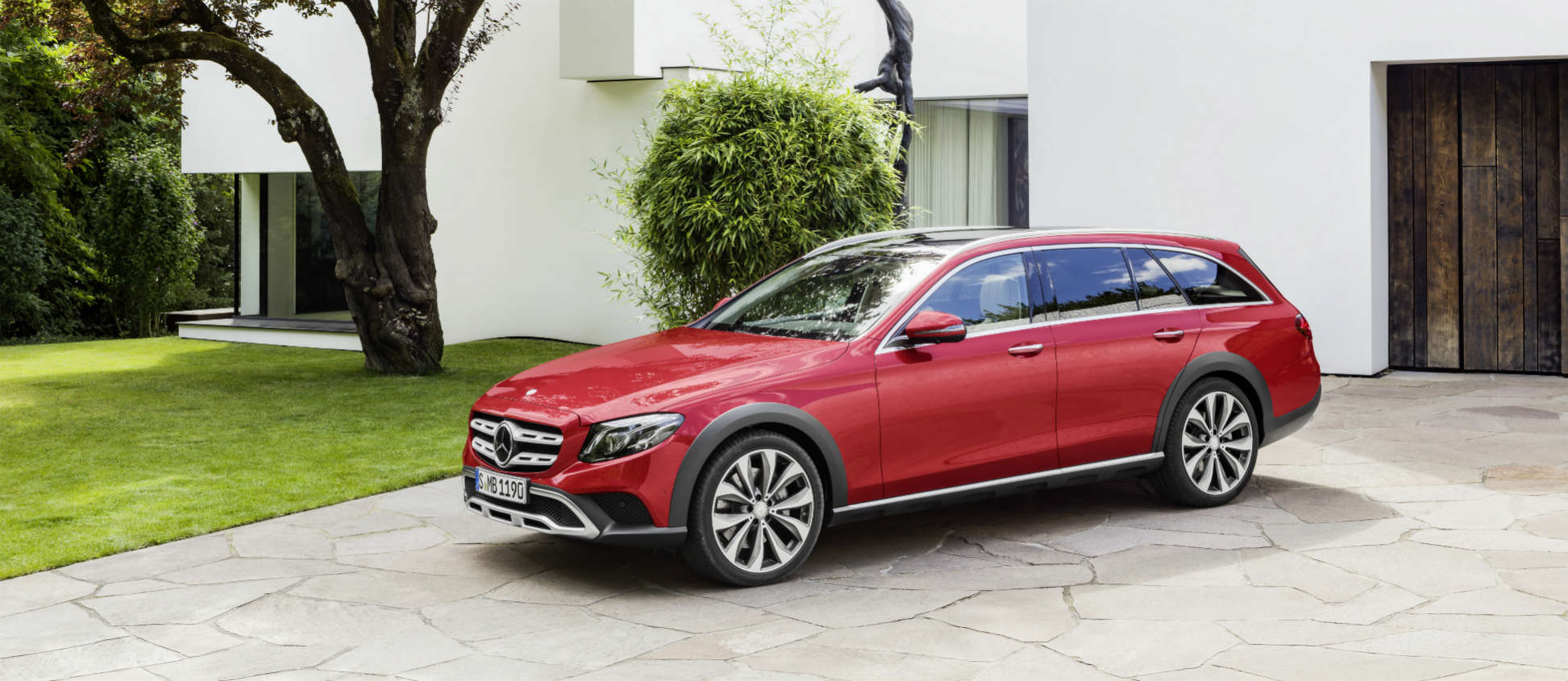 mercedes benz add all terrain and cabriolet dimensions to e class line up drive time. Black Bedroom Furniture Sets. Home Design Ideas